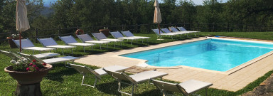 Vacker italiensk villa med mycket karaktär och härlig pool