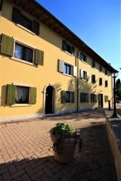 Casale Manzoni First Floor Apartment