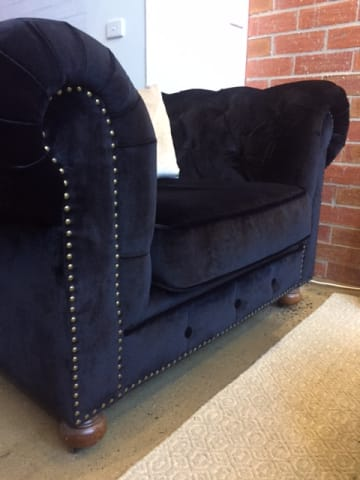 Notting hill velvet chesterfield armchair ebony black 02
