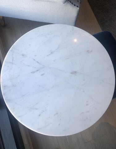 Huber end table white banswara marble w black 02