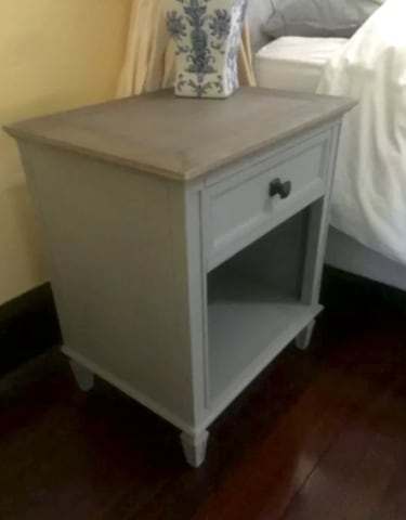 Enzo bedside table distressed grey 02