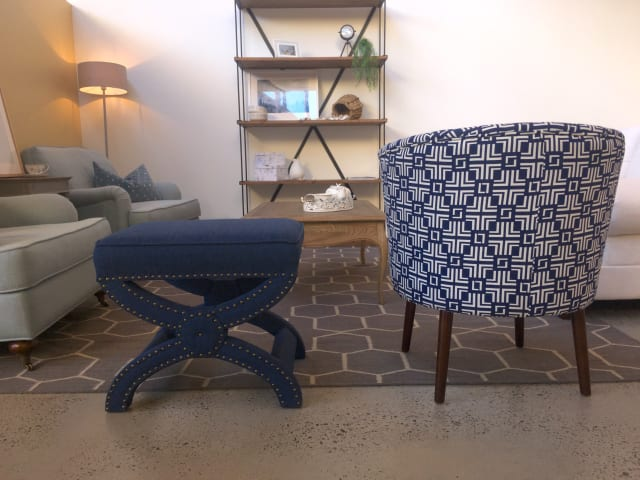 Nora chair coral blue print 01