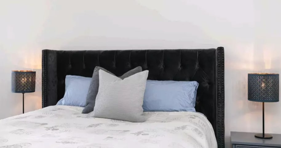 Stella bed head ebony black 08