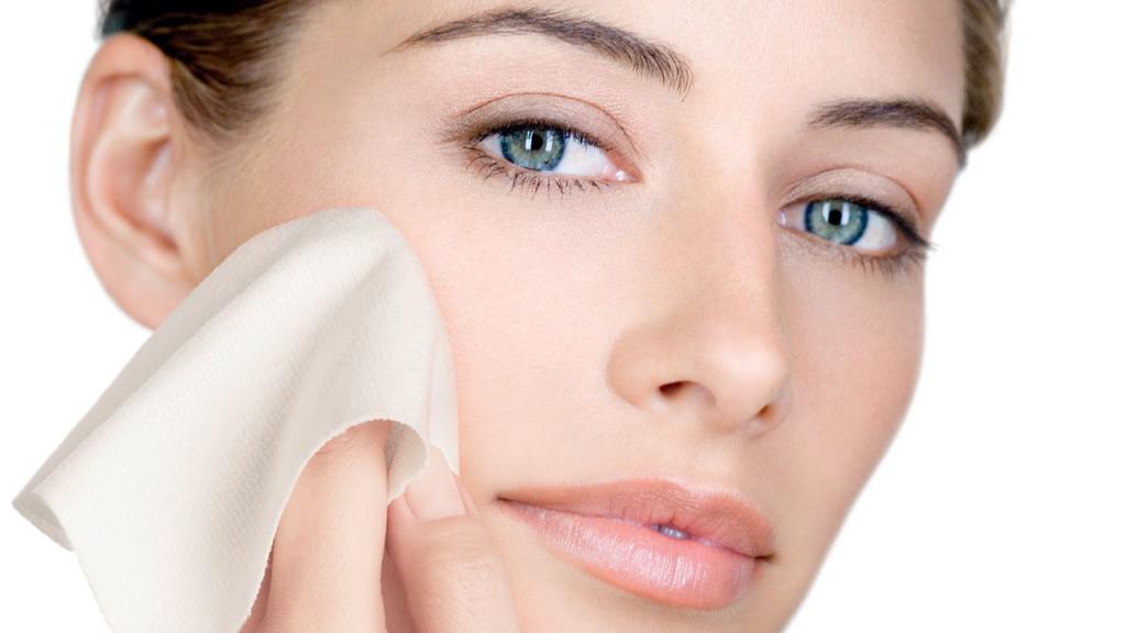 Resultado de imagem para removendo maquiagem