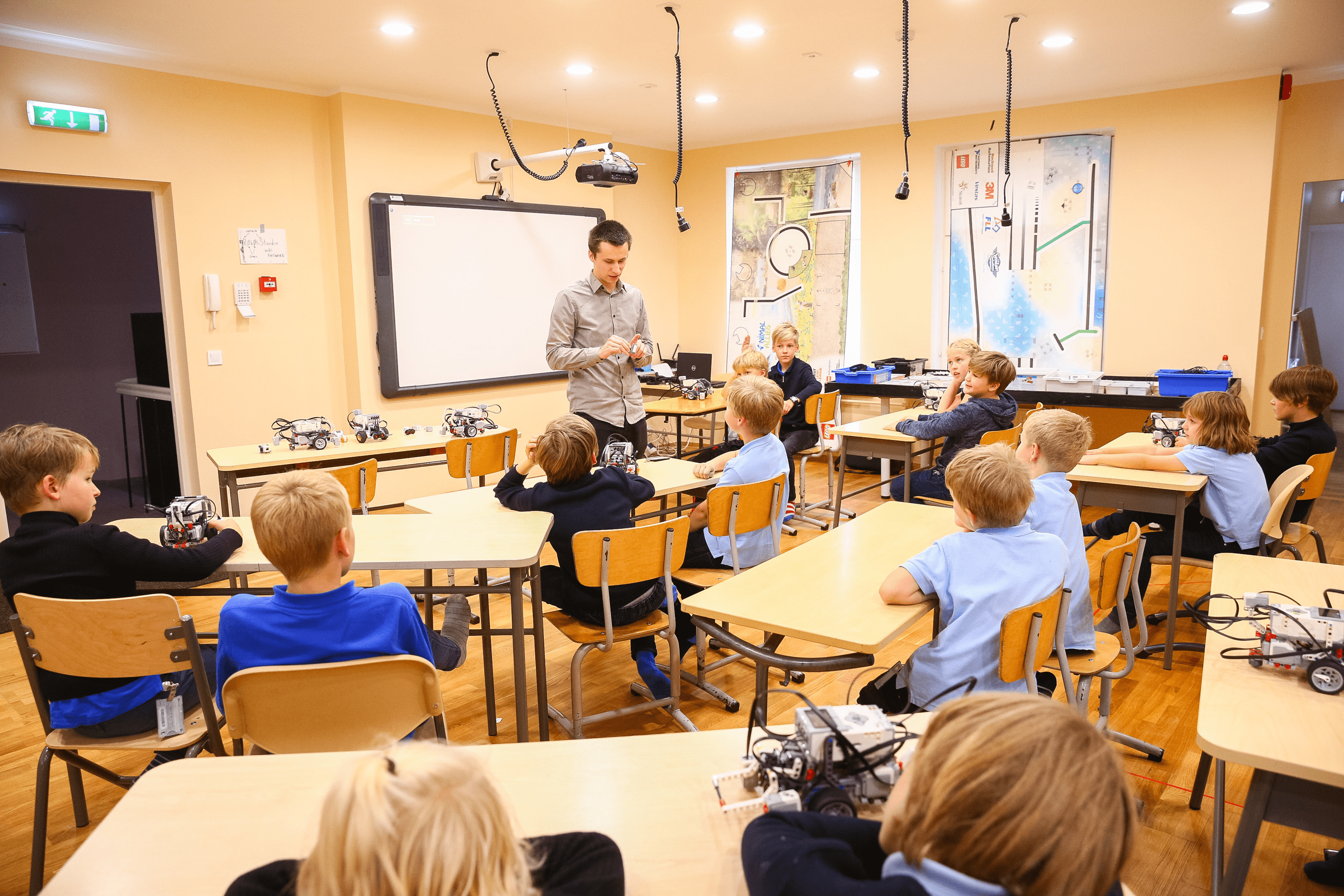 tips-teaching-coding-in-classroom