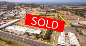 Factory, Warehouse & Industrial commercial property sold at 26/10-12 Sylvester Avenue Unanderra NSW 2526