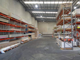 Showrooms / Bulky Goods commercial property for lease at 2 Hollingsworth Street Portsmith QLD 4870