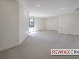 Medical / Consulting commercial property for lease at Shop 1B/601 Logan Road Greenslopes QLD 4120