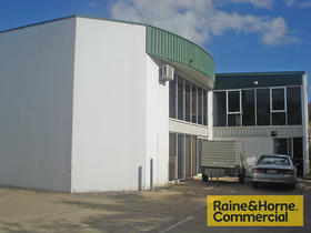 Factory, Warehouse & Industrial commercial property for lease at 4/33 Buchanan Road Banyo QLD 4014