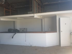 Showrooms / Bulky Goods commercial property for lease at 35b Park Street Rockhampton QLD 4701