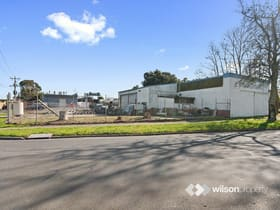 Industrial / Warehouse commercial property for sale at 15 Mavis Avenue Warragul VIC 3820