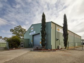 Factory, Warehouse & Industrial commercial property for lease at 16 Terry Court Albury NSW 2640