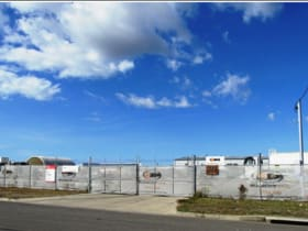 Industrial / Warehouse commercial property for lease at 15 ELQUESTRO WAY Bohle QLD 4818