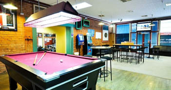 Bars & Nightclubs Business in Rutherglen