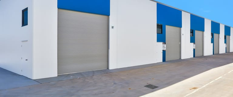 Industrial / Warehouse commercial property for sale at 21 Middle Rd Hillcrest QLD 4118