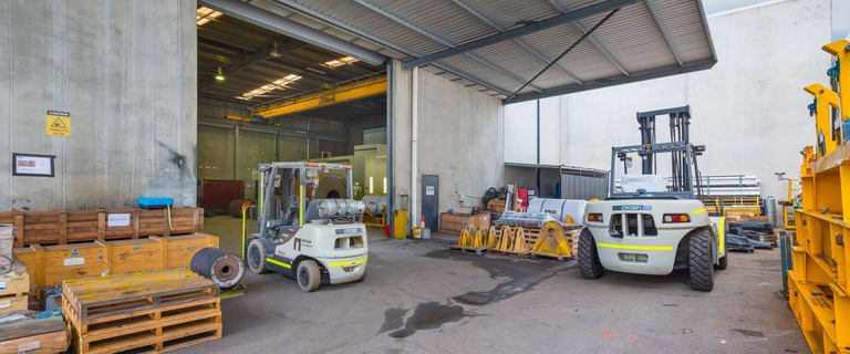 Factory, Warehouse & Industrial commercial property for lease at 7 Dyer Road Bassendean WA 6054