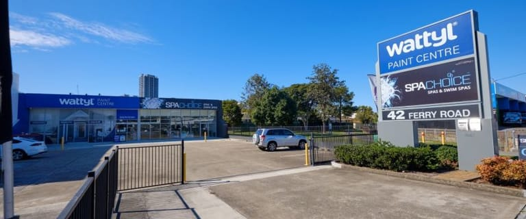 Showrooms / Bulky Goods commercial property for lease at Unit 2/42 Ferry Road Southport QLD 4215