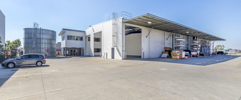 Factory, Warehouse & Industrial commercial property for lease at 670 Macarthur Av Pinkenba QLD 4008