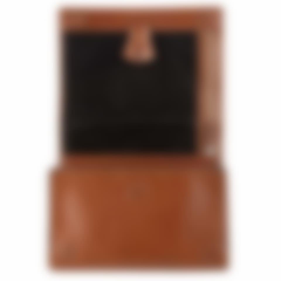 Livingstone leather hanging wash bag part open
