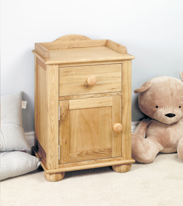 Amelie Oak Bedside Cabinet (one door one drawer)