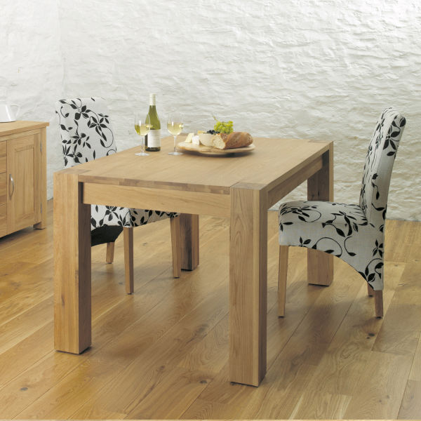 Aston Oak 4-6 seat dining table and 4 upholstered chairs