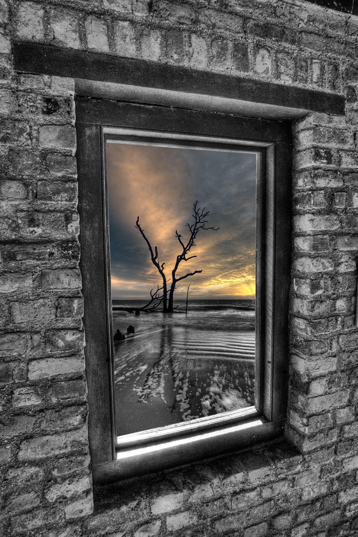 Through_the_window_h9hpdu