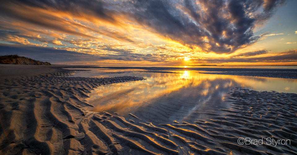 Emerald_isle_photographer_captures_the_point_at_sunset_mvjh3y