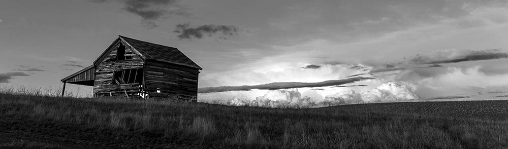 Garyhorsfall_derelict_barn_photography_ymfrrd