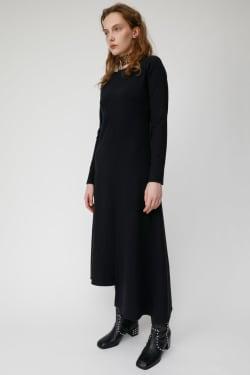 BACK SCOOP FLARE dress