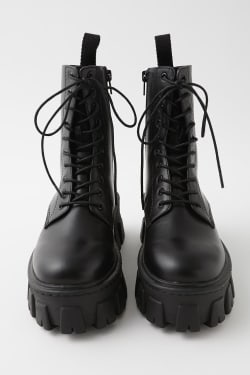 LACE UP CHUNKY SOLE boots