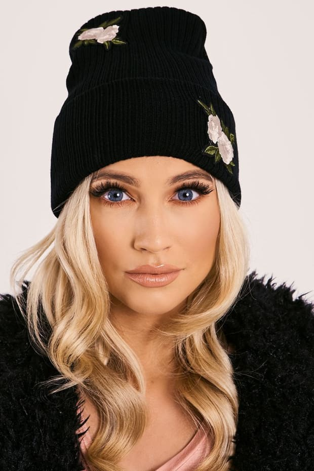 BLACK FLORAL APPLIQUE RIBBED BEANIE HAT