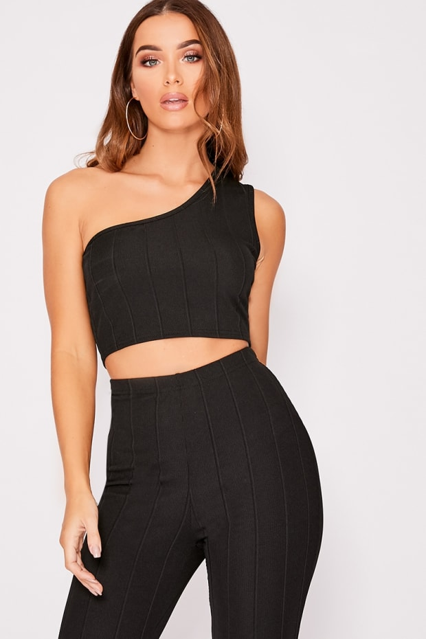 4bfc1cea64e85e Iiana Black One Shoulder Bandage Crop Top