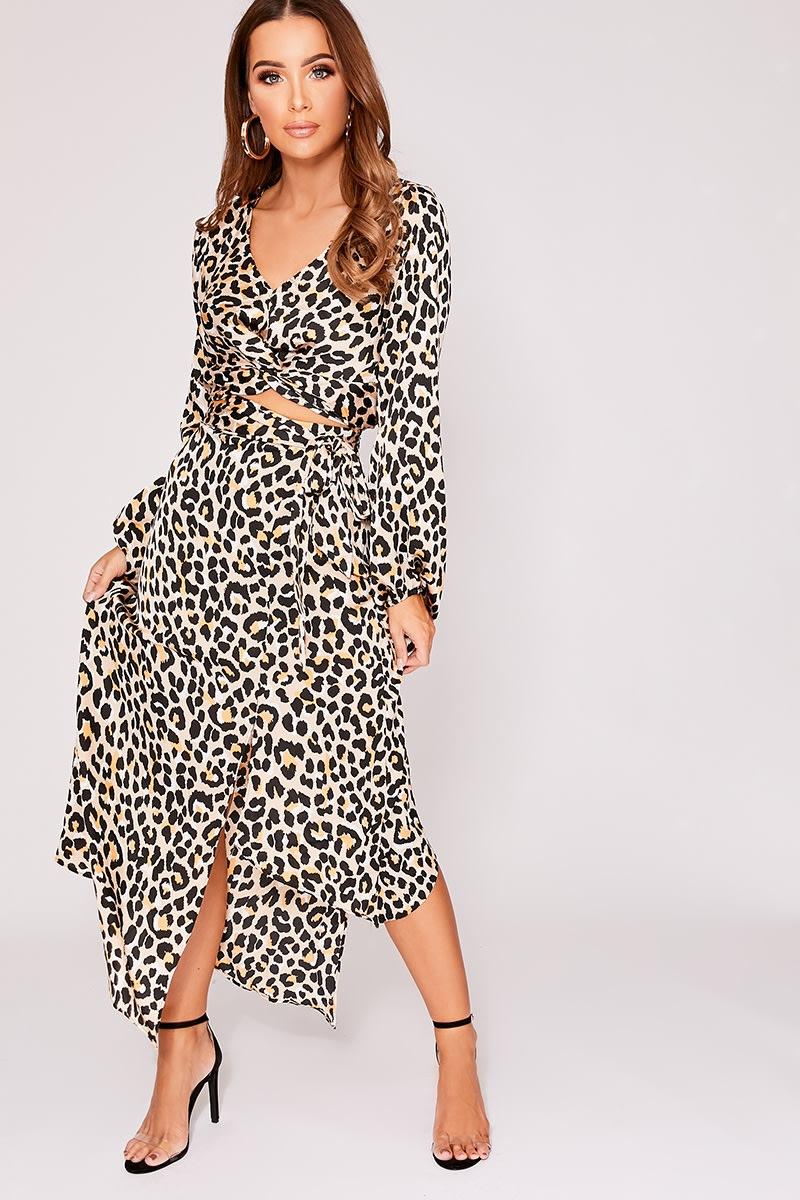 c66a0d3a101813 Jeannise Nude Leopard Print Satin Split Front Midi Skirt
