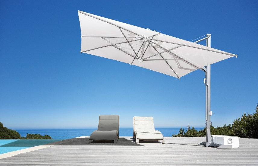 Galileo Inox: Retractable side post parasol in different sizes and colours
