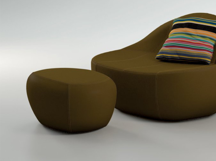 Baby Flirtstone 75 - New Wool: Footstool upholstered in new wool