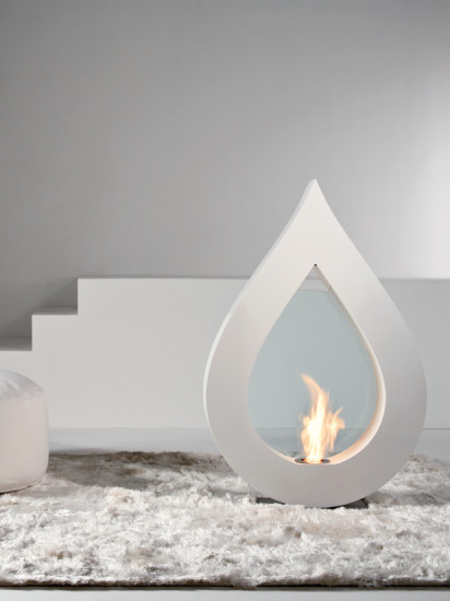 Big Flame: Free standing fireplace in different colours