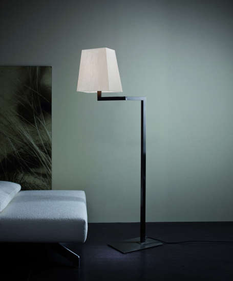 Quadra Liseuse: Floor lamp in different finishings by Contardi