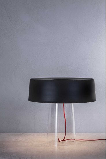 Glam T1 / T3: Table lamp available in differet sizes and finishings