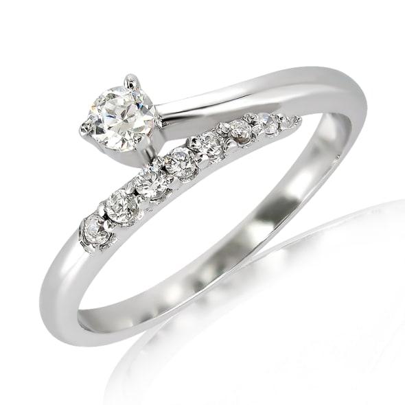 แหวนทอง 18K ประดับเพชร น้ำหนักรวม 0.20 กะรัต ค่าสี F ค่าความสะอาด VS