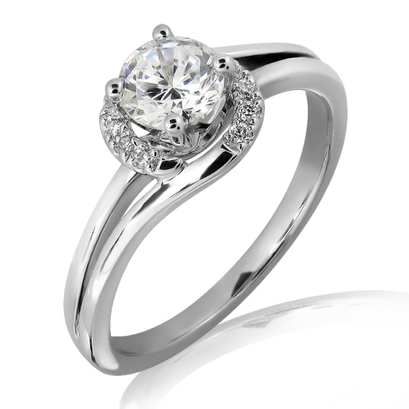 แหวนทอง 18K ประดับเพชร น้ำหนักรวม 0.30 กะรัต ค่าสี E ค่าความสะอาด VS2