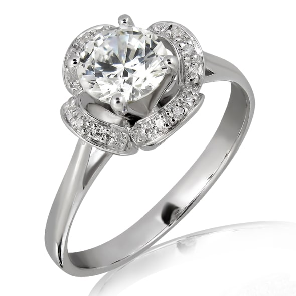 แหวนทอง 18K ประดับเพชร น้ำหนักรวม 0.40 กะรัต ค่าสี F (น้ำ 98)  ค่าความสะอาด VVS2 EX/EX/EX เพชรมาพร้อมใบรับรองจาก GIA