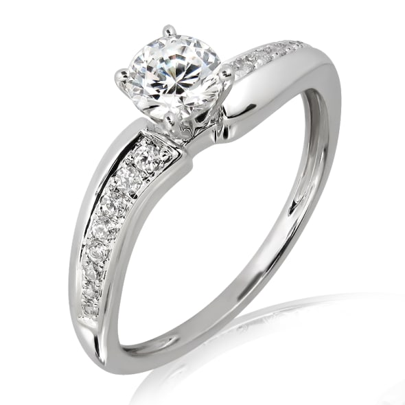แหวนทอง 18K ประดับเพชร น้ำหนักรวม 0.35 กะรัต ค่าสี E (น้ำ 99) ค่าความสะอาด VS