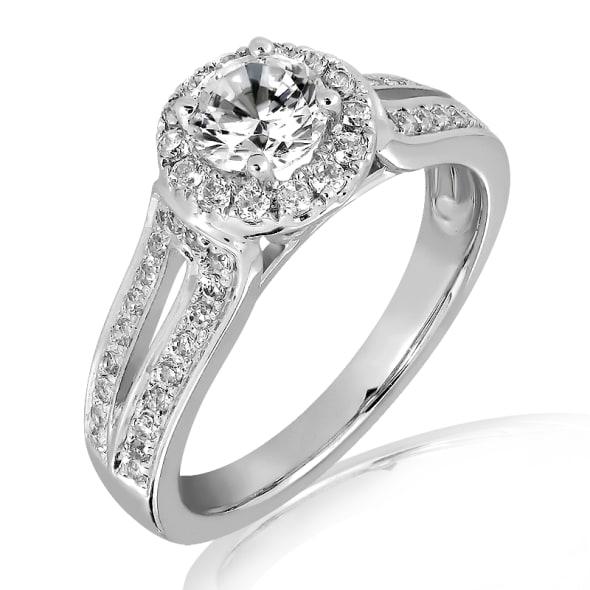 แหวนทอง 18K ประดับเพชร น้ำหนักรวม 0.65 กะรัต ค่าสี E ค่าความสะอาด VS2