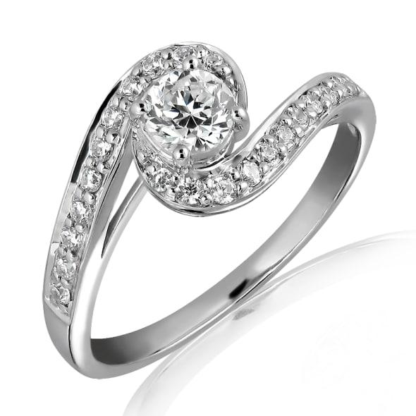 แหวนทอง 18K ประดับเพชร น้ำหนักรวม 0.50 กะรัต ค่าสี E ค่าความสะอาด VS1