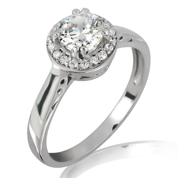 แหวนทอง 18K ประดับเพชร น้ำหนักรวม 0.85 กะรัต ค่าสี E ค่าความสะอาด VS2 เพชรมาพร้อมใบรับรองจาก IGL