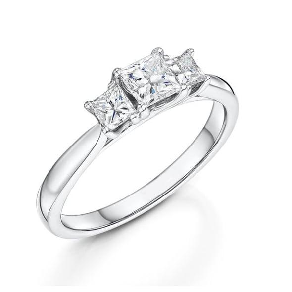 แหวนทอง 18K ประดับเพชร น้ำหนักรวม 0.75 กะรัต ค่าสี G ค่าความสะอาด VS