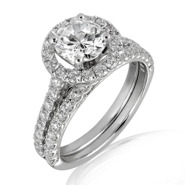 แหวนทอง 18K ประดับเพชร น้ำหนักรวม 0.80 กะรัต ค่าสี D ค่าความสะอาด VVS1 EX/EX/EX เพชรมาพร้อมใบรับรองจากสถาบัน GIA และแหวนเพชร Matching Band