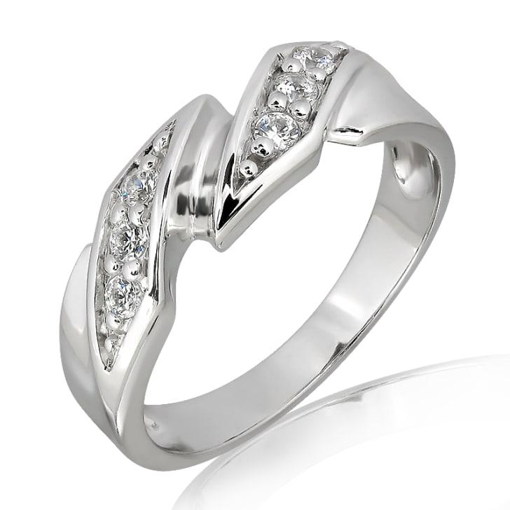 แหวนเพชรหมั้นหญิง ทอง 18K ประดับเพชร น้ำหนักรวม 0.12 กะรัต ค่าสี E ค่าความสะอาด VS