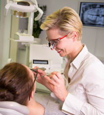 Zahnarztpraxis doreen kuprian behandlung4tdretw