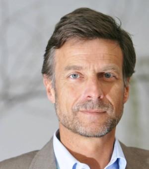 Dr. Patrick Simons